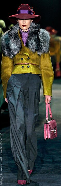 Gucci by glenda Colorful Fashion, Love Fashion, High Fashion, Fashion Show, Fashion Outfits, Womens Fashion, Gucci Hat, Gucci Gucci, Versace