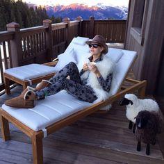 apres ski outfits. Jessica Mould · Chalet Chic 8d63a57a5