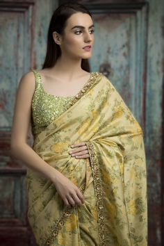 Best Trendy Outfits Part 14 Dress Indian Style, Indian Dresses, Indian Outfits, Sabyasachi Sarees, Lehenga, Anarkali, Floral Print Sarees, Simple Sarees, Indian Bridal Fashion