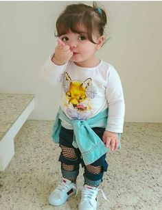 In this video, we will show you beautiful stylish kids outfit ideas, baby girls dress designs, cute Kids Style & more. Cute Baby Girl Photos, Cute Kids Pics, Cute Little Baby Girl, Cute Baby Pictures, Beautiful Baby Girl, Stylish Baby Girls, Stylish Kids, Stylish Little Boys, Baby Girl Fashion