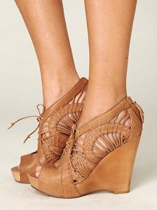 Kellan Wedge - I wanted these LAST summer. Come into my life! <3