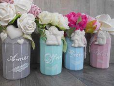 """Relooker des bocaux  Découvrez comment relooker des bocaux en toute simplicité.Nous utilisons pour cela de la peinture craie que l'on appelle aussi """"Chalk paint''"""