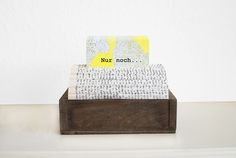 DIY, upcycling, craft: Upgrade your office space with this stylish business card holder. You only need a small box, a book and 20 minutes time (tutorial in English and German)