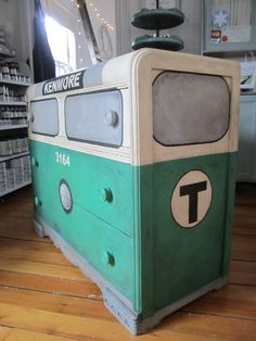 LOVE this Boston Painted Subway - Car Dresser tutorial by my friend @Nancy Chace of Sea Rose Cottage. #boston #onefund