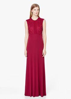 Pin for Later: 50 elegante, bodenlange Abendkleider unter 100 €  Mango Abendkleid mit Spitzeneinsatz in kirschrot (100 €)