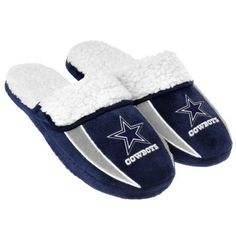 Amazon.com   2013 NFL Football Mens Team Logo Sherpa Slippers   Sports Fan  Slippers 3f8046a02
