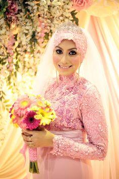 Rina Hamid: Wedding Review #12: Reception Wedding Dress Muslimah Wedding Dress, Disney Wedding Dresses, Hijab Bride, Wedding Hijab, Pakistani Wedding Dresses, Dress Wedding, Nigerian Weddings, African Weddings, Muslim Brides