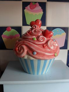 Cupcake Cookie jar by Lorilynn Simms arrived all the way from the USA today - I love it!