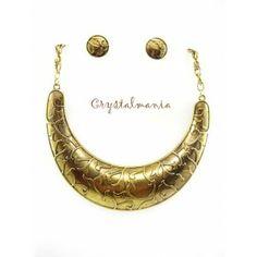 Set de collar y artes  con detalles en tono dorado estilo 3050