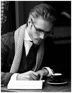 Sophisticated ... I especially love the scarf