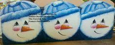 to Scalloped Cement Garden Edger E Pattern Snowman Trio on Etsy Painted Bricks Crafts, Brick Crafts, Painted Pavers, Stone Crafts, Painted Rocks, Christmas Rock, Christmas Crafts, Brick Art, Tole Painting Patterns