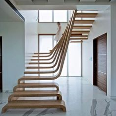 .Les escaliers seront-ils admis pour les normes incendie pour accueillir du public>?