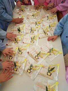 Toddler Valentine Crafts, Christmas Crafts For Kids, Christmas Printables, Valentines Diy, Toddler Crafts, Footprint Art, I Love You Mom, Handprint Art, Heart Cards