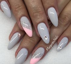 Wisp, Bombshell mixed with White and Diagonal Silver stripe