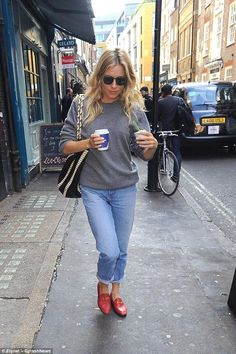 6d02e7a43b6 Sienna Miller Headed To the Apollo Theatre July 25