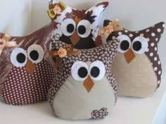 mold for chicken door weight Owl Fabric, Fabric Toys, Fabric Crafts, Owl Crafts, Diy And Crafts, Pin Cushions, Pillows, Sewing To Sell, Owl Pillow