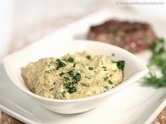 SAUCE TARTARE (mayonnaise, câpres, cornichons, oignon, persil, cerfeuil, estragon, ciboulette, piment d'Espelette) - Avec fruits de mer, poissons.