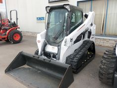 Bobcat T590 compact track loader Excavation Equipment, Construction Machines, Skid Steer Loader, Heavy Machinery, Flat Tire, Septic Tank, Case Ih, Chenille, Heart For Kids