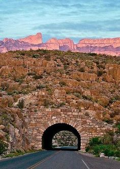 This Texas drive is just over 250 miles long and each day you'll feel like your on the backdrop of a classic Western movie. Hit the image for more details of this secret RoadTrip route that will mesmerise you. Cool Places To Visit, Places To Travel, Travel Destinations, Texas Travel, Travel Usa, Bus Travel, Dream Vacations, Vacation Spots, Family Vacations