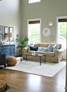 tan sofa living room decor - Internal Home Design Navy Living Rooms, Living Room Colors, Living Room Sofa, Interior Design Living Room, Living Room Designs, Living Room Decor, Decor Room, Home Design, Modern Design