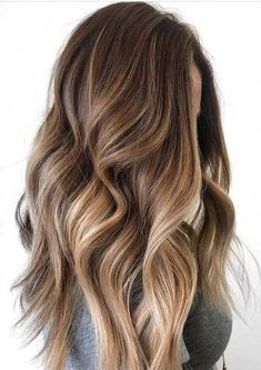 Obsessed Balayage Hair Color Trends & Shades for 2018 – Balayage Hair Styles Brown Hair Shades, Light Brown Hair, Brown Hair Colors, Dark Hair, Brown Hair Balayage, Hair Color Balayage, Blonde Balayage, Caramel Balayage, Ombré Hair