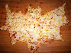 Pizza ve tvaru netopýra Complete Recipe, Pizza Dough, Hawaiian Pizza, Pizza Recipes, Homemade, Food, Home Made, Essen, Meals