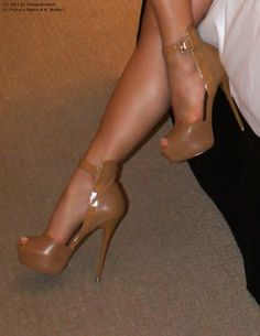 """Valley of Stilettos: Cocoa Peep Toe Heels"" Hot Heels, Sexy Heels, Stilettos, Stiletto Heels, Nude Heels, Cute Shoes, Me Too Shoes, Talons Sexy, Zapatos Shoes"