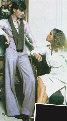 David Bowie with Sydne Rome David Jones, Sydne Rome, David Bowie Fashion, David Bowie Born, Mick Ronson, Just Deal With It, The Thin White Duke, Major Tom, Ziggy Stardust