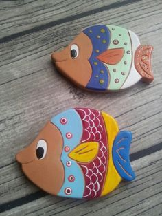 Ceramic fish Hand Built Pottery, Slab Pottery, Pottery Art, Fish Crafts, Clay Crafts, Arts And Crafts, Clay Fish, Jar Art, Art Textile