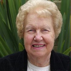 This is the YouTube Channel of pioneering hypnotherapist, author, international speaker and teacher Dolores Cannon.