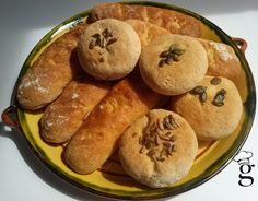 Panecillos variados SIN GLUTEN. Con panificable, harina de maíz y de mijo.