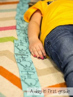 love this FREE mini-lesson for standard and nonstandard units of measurement!