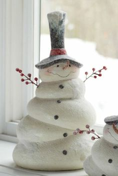 Arts and crafts 40 Classic Christmas Salt Dough Ornaments That Shall Speak of Your Creativity Dollar Tree Christmas, Christmas Clay, Homemade Christmas, Christmas Wreaths, Christmas Ornaments, Snowman Crafts, Holiday Crafts, Deco Table Noel, Salt Dough Ornaments