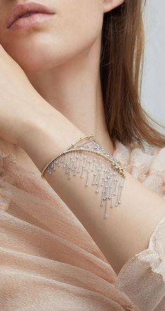 Amante Fringe Cuff by Mike Joseph Resort 2019 - Diamond Jewelry Hand Jewelry, Cute Jewelry, Body Jewelry, Jewelry Bracelets, Jewelry Accessories, Fashion Accessories, Jewelry Design, Unique Jewelry, Jewelry Shop