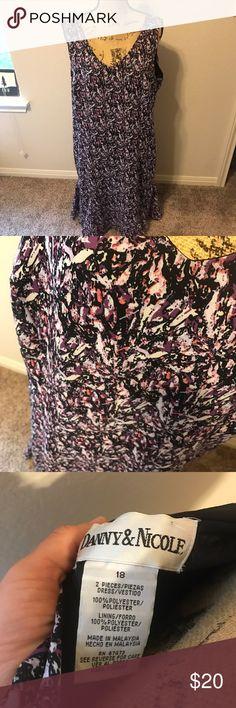 {Danny & Nicole Dress} Pretty! Super comfy. Has a great flow. EUC. Danny & Nicole Dresses