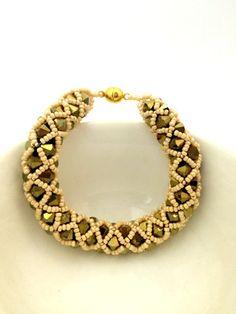 Swarovski Beaded Bracelet / Beased Bracelet / Beaded by Ranitit