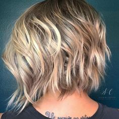 "281 Likes, 6 Comments - OWNER/STYLIST @_avesalon (@styled_by_carolynn) on Instagram: ""Textured bob with a shadowed root . #avesalonbeautiful #olaplex #kevinmurphy #behindthechair…"""