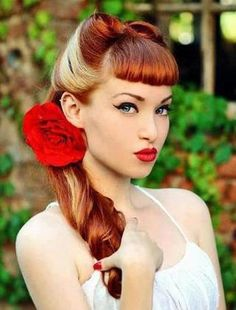 Vintage Hairstyles With Bangs Pin Up Hair Style must learn how to do. Easy Vintage Hairstyles, Hairstyles With Bangs, Wedding Hairstyles, Hot Haircuts, Hairstyles 2018, Hairstyle Ideas, Pin Up Looks, Vintage Short Hair, Burlesque Vintage