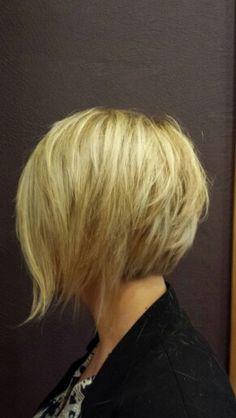 Nuque courte piquet e en pointe coiffure hairdressing hair cheveux pinterest hair style - Nuque carre plongeant ...