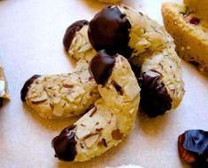 Italian Hazelnut Christmas Cookies | cookies christmas cookies cookies hazelnut cookies italian cookies ...