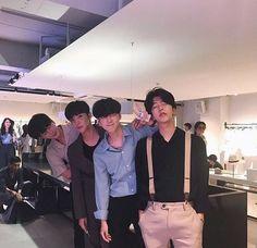 boy, asian, and ulzzang image Cute Asian Guys, Cute Korean, Korean Men, Asian Boys, Asian Men, Cute Guys, Korean Boys Ulzzang, Ulzzang Couple, Ulzzang Boy