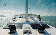 Sailing in Phuket:  We're off !   Another fantastic sailing season in Thailand, we're all happy to be back!