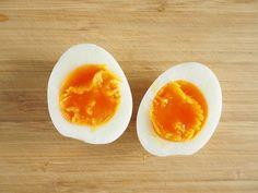 『マツコの知らない世界』で紹介された「最強のゆで卵」を作ってみてわかったこととは? (暮らしニスタ) Eggs, Breakfast, Recipes, Food, Morning Coffee, Recipies, Essen, Egg, Meals