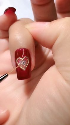 A romantic set to complete your adorable looks 💕 Valentine's Day Nail Designs, Nail Art Designs Videos, Nail Art Videos, Simple Nail Art Designs, Trendy Nail Art, Stylish Nails, Asian Nails, Romantic Nails, Luxury Nails