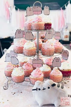 Pusheen Birthday Party for a 4 Year Old – Dessert First - Cupcakes Pusheen Birthday, Birthday Cake For Cat, 10th Birthday Parties, Birthday Cupcakes, Happy Birthday, Mall Of America, Pusheen Cookies, Vanilla Bean Cupcakes, Lemon Cupcakes