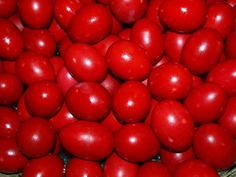Dying red Easter eggs is a symbol of Orthodox Easter and a long-standing tradition. Although it is also quite common to dye eggs in other colours, Gre. Orthodox Easter, Greek Easter, Red Images, Egg Dye, Easter Traditions, Novelty Cakes, Egg Decorating, Sweet Memories, Jars
