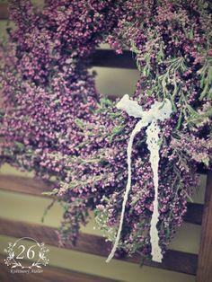fotogalerie – Květinový Ateliér 26 Floral Wreath, Wreaths, Home Decor, Atelier, Floral Crown, Decoration Home, Door Wreaths, Room Decor, Deco Mesh Wreaths