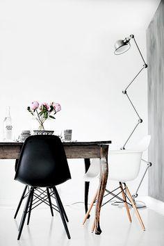 El encanto y  la elegancia de los objetos en negro. http://crazymaryrevista.wordpress.com/2013/09/05/objetos-decorativos-en-color-negro/
