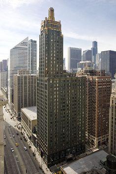 Carbon & Carbide Building, Chicago, Illinois.  Carbide and Carbon Building (hard rock hotel)