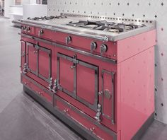 La Cornue Pink Chateau at PIRCH SoHo. It comes in 30 other colors! La Cornue, Kitchens, Kitchen Appliances, Copper Pots, Kitchen Furniture, Vintage Kitchen, Soho, Interior Ideas, Showroom